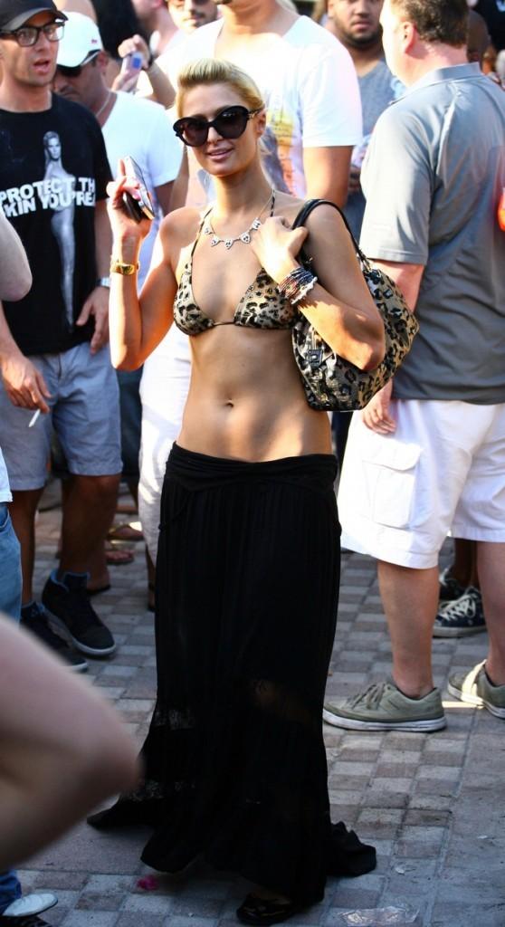 Paris Hilton fait sa starlette !