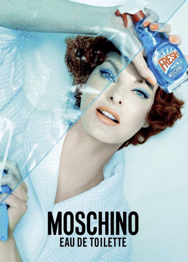 Linda Evangelista pour Moschino Parfum