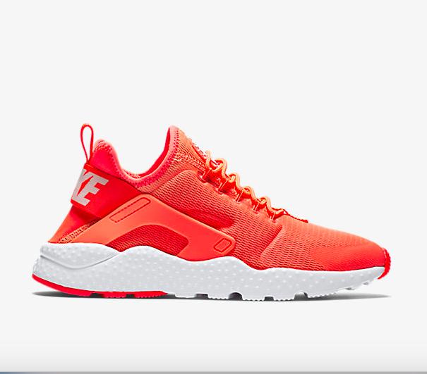 9) Nike : Prix original : 130€ : Prix soldé : 103,99€