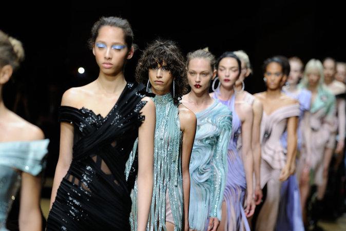 Le défilé Haute Couture Atelier Versace le 3 juillet 2016