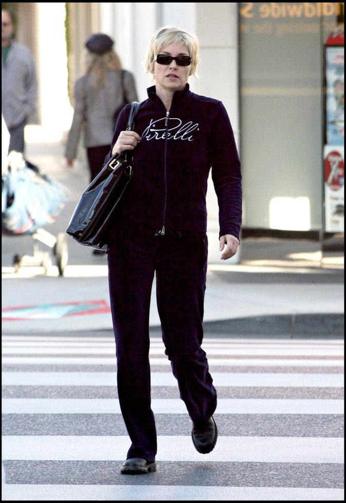 Sharon Stone dans son survêtement en velours