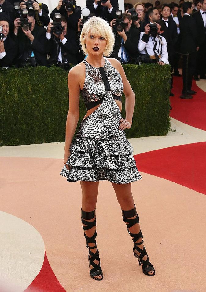 Taylor Swift sur le red carpet du Met Gala 2016