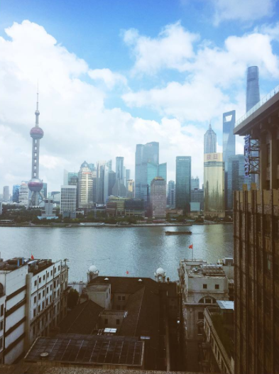 Photos : Rosie Huntington-Whiteley emporte ses UGG en Chine !