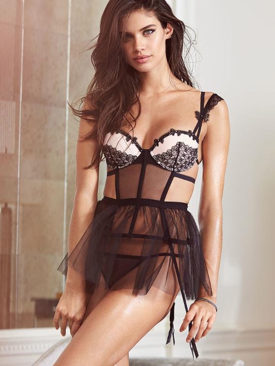 Sara Sampaio pour Victoria's Secret !
