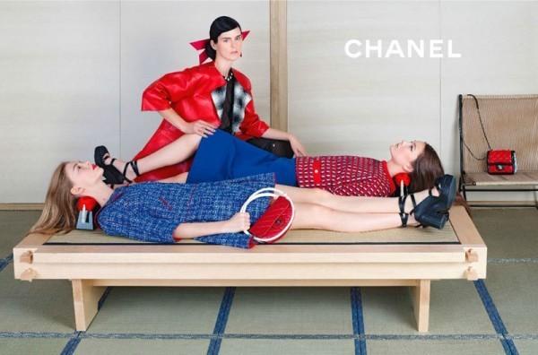 Stella Tennant, Ondria Hardin et Yumi Lambert dans la campagne Chanel Spring-Summer 2013.