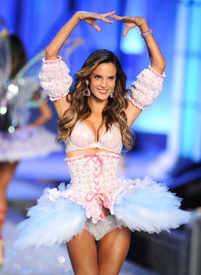 Alessandra Ambrosio : extensions ou pas ?