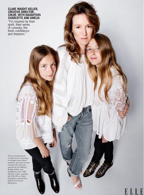 Clare Waight Keller de chez Chloé avec ses filles Charlotte et Amelia