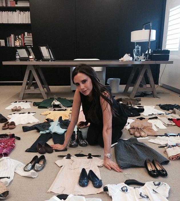 Photos : Victoria Beckham revend les vêtements d'Harper pour la bonne cause !