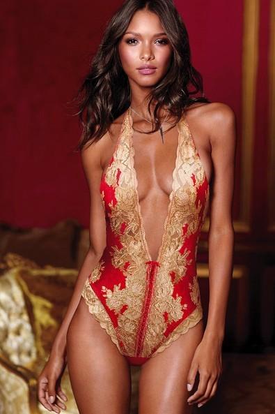 Lais Riebeiro pour la Very Sexy Collection