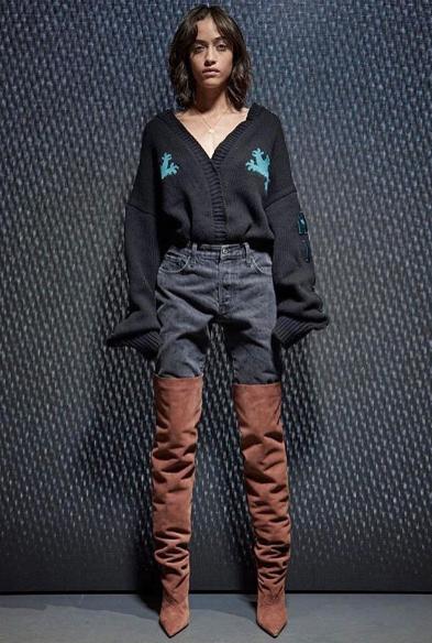 Photos : Yeezy Season 5 : Kanye West met le paquet... Et devient modeste !