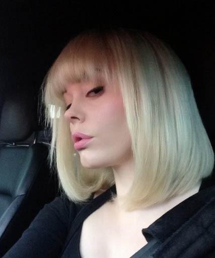 Rose McGowan devient blonde!