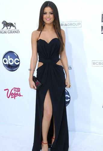 Selena Gomez en Dolce & Gabbana aux Billboard Music Awards, le 22 mai 2011.