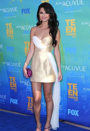 Selena Gomez en Erin Fetherston aux Teen Choice Awards, le 7 Août 2011.