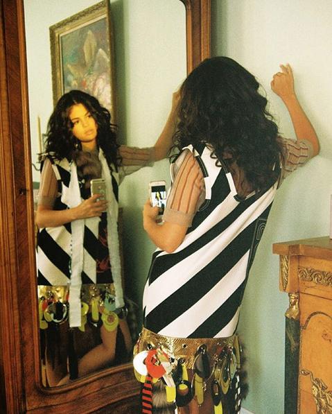 Selena Gomez pour Wonderland Magazine !
