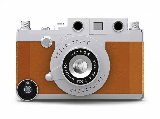 Coque appareil photo vintage, Lollil.com, 42 €.
