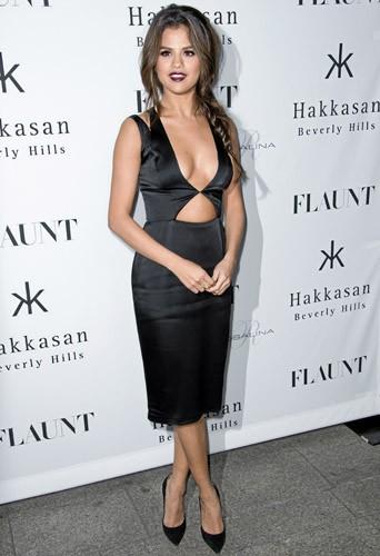 Faites comme Selena Gomez, shoppez façon carte noire pour Noël !
