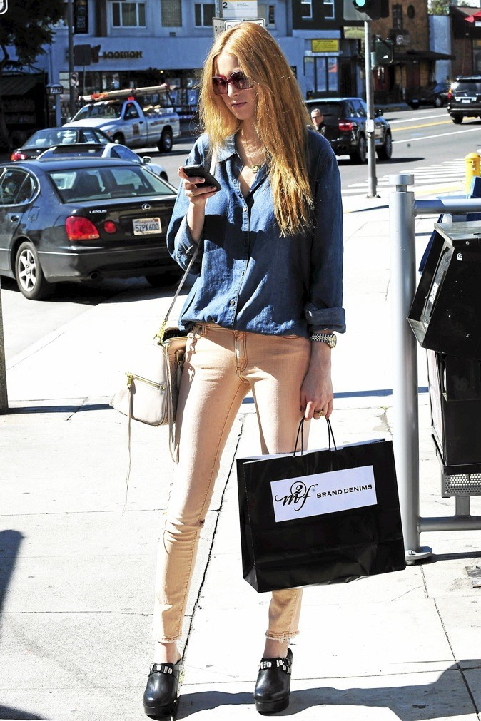 Whitney Port et son jean pastel