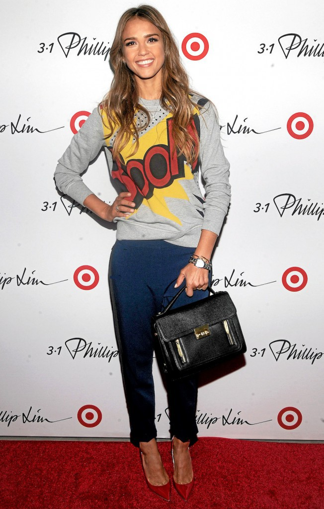 Jessica Alba : elle fait Boom en 3.1 Phillip Lim pour Target