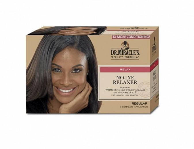 Kit de défrisage pour cheveux crépus, très frisés, Dr. Miracle's. 8 €.