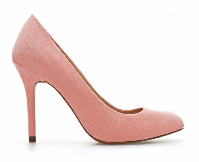 Un hiver à l'eau de rose : Escarpins, Zara, 59,95 €