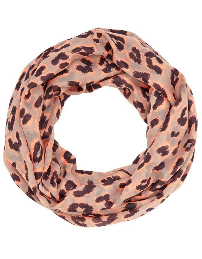 Un hiver à l'eau de rose : Foulard imprimé léopard, Accessorize 17 €
