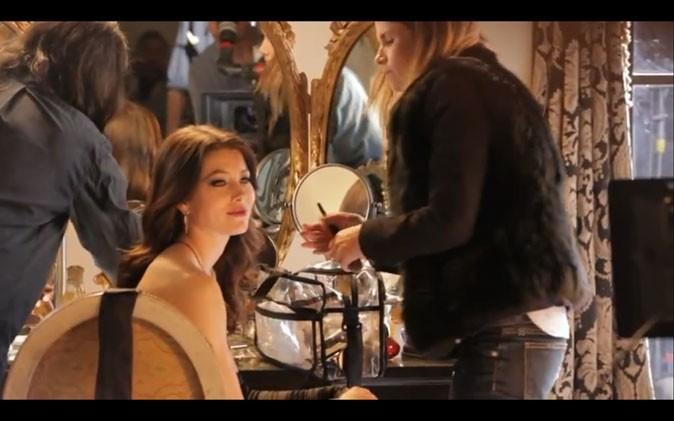 Jessica Biel sur le tournage du spot Revlon...
