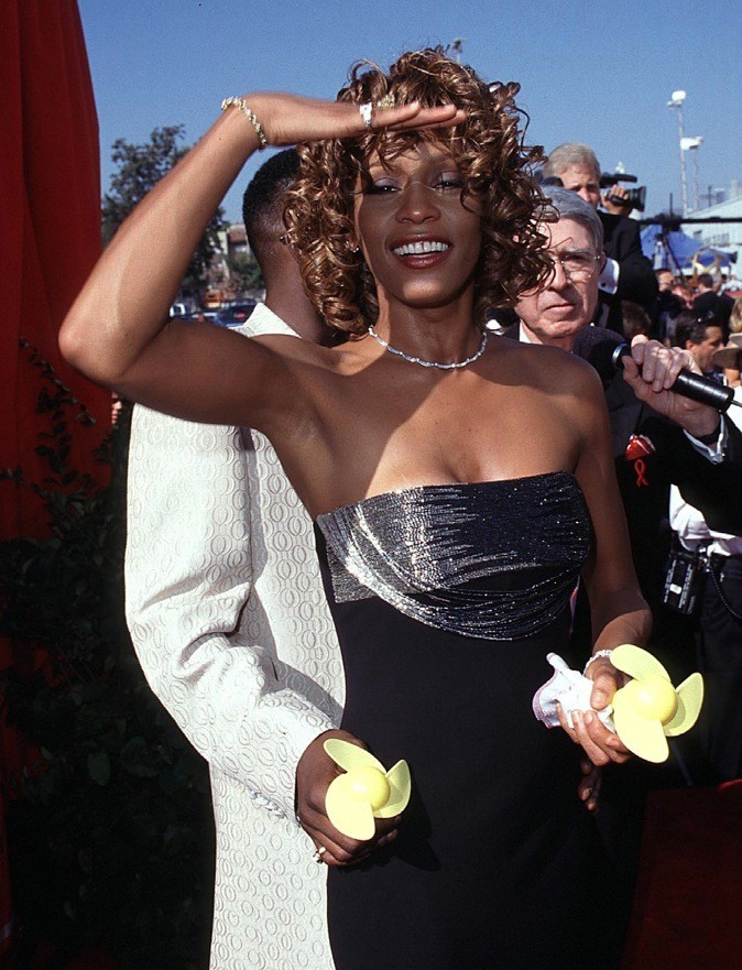 Septembre 1998 : Whitney Houston aux Emmy Awards à Los Angeles