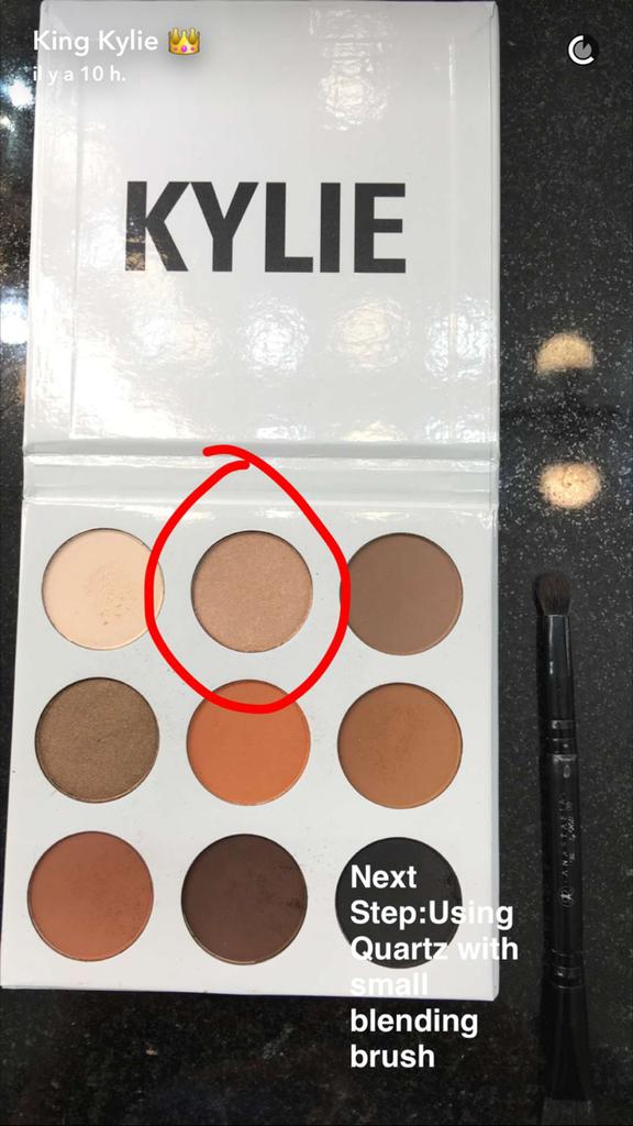 Prenez une leçon de maquillage avec Kylie Jenner - étape 13