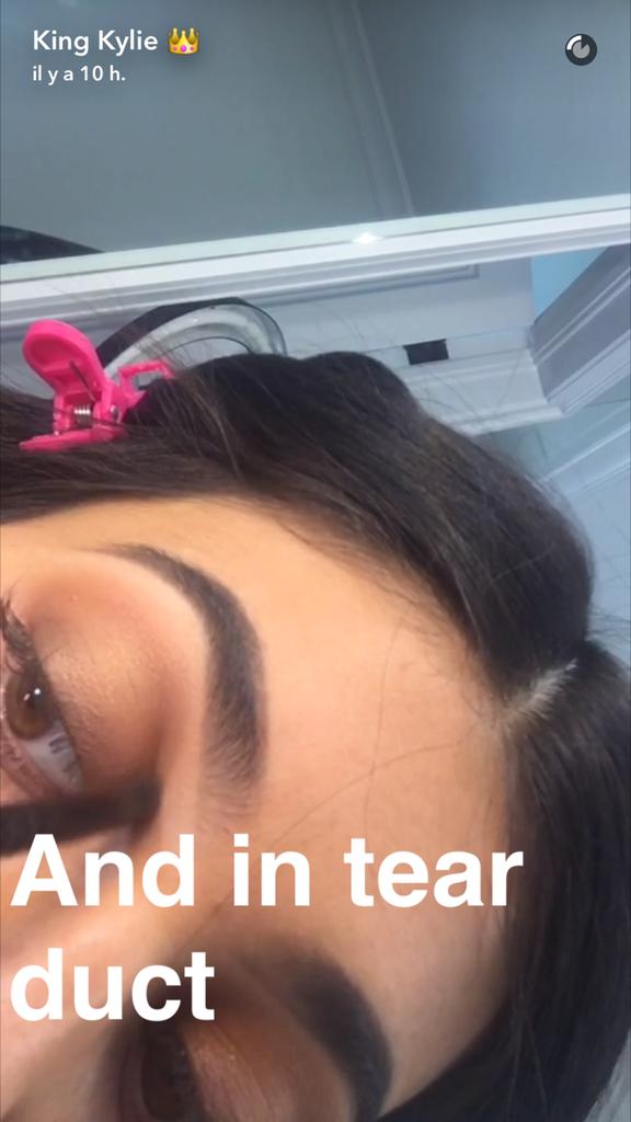 Prenez une leçon de maquillage avec Kylie Jenner - étape 15