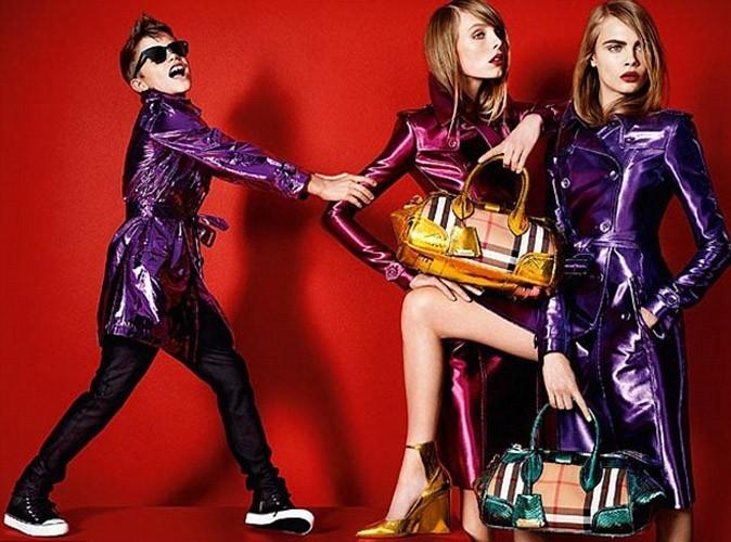 Romeo Beckham : il s'affiche une nouvelle fois en bête de mode dans un nouveau cliché signé Buberry !