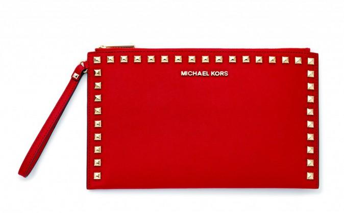 Pochette en cuir cloutée, Michael Kors 110 €