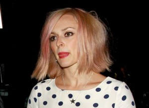 Cheveux roses de Fearne Cotton