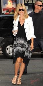 Robe noire Heidi Klum