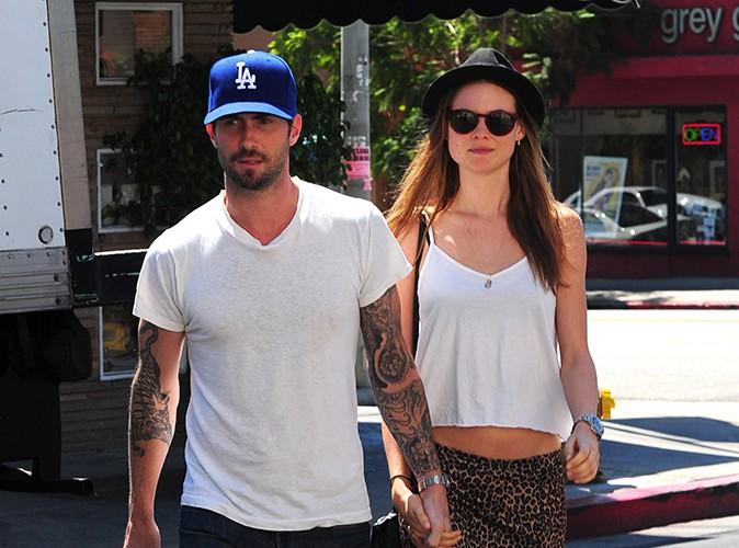 Adam Levine : le chanteur américain s'est fiancé... à Behati Prinsloo !