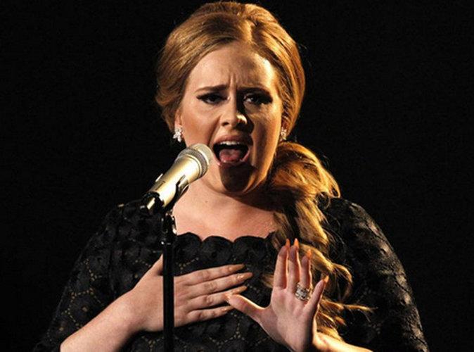 """Adele : """"Désolée, vos oreilles vont encore saigner à cause de moi"""""""