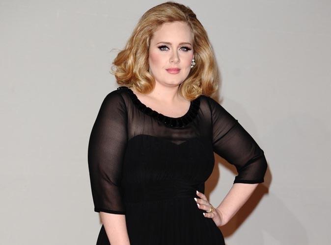 Adele : elle dit accepter son poids mais mincit à vue d'œil !