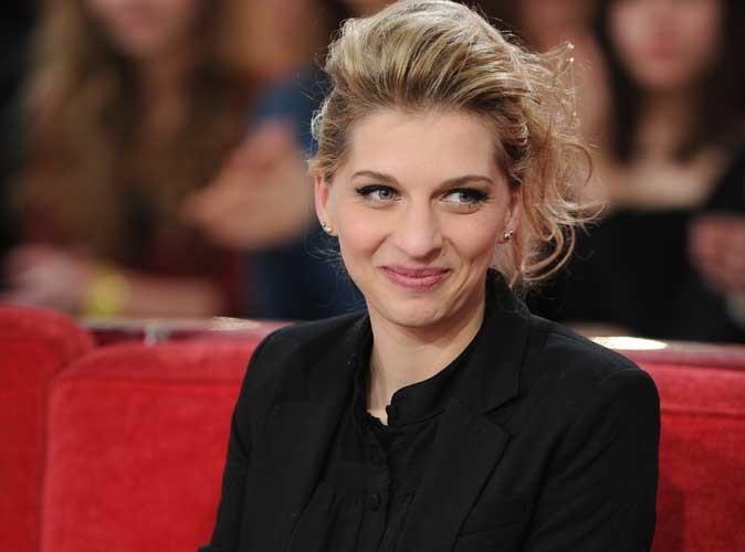 """Amandine Bourgeois pas tendre avec The Voice : """"J'ai failli zapper tellement je me faisais chi**"""" !"""