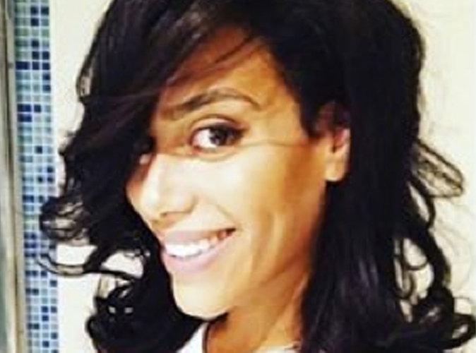 Amel Bent : En pleine nuit, elle fait un tuto coiffure et maquillage !