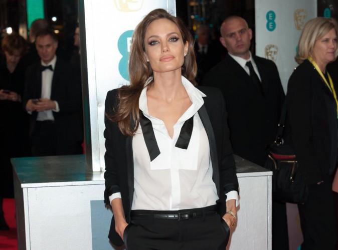 """Angelina Jolie : actuellement en visite au Liban, la star parle d'""""une expérience qui déchire le coeur""""..."""