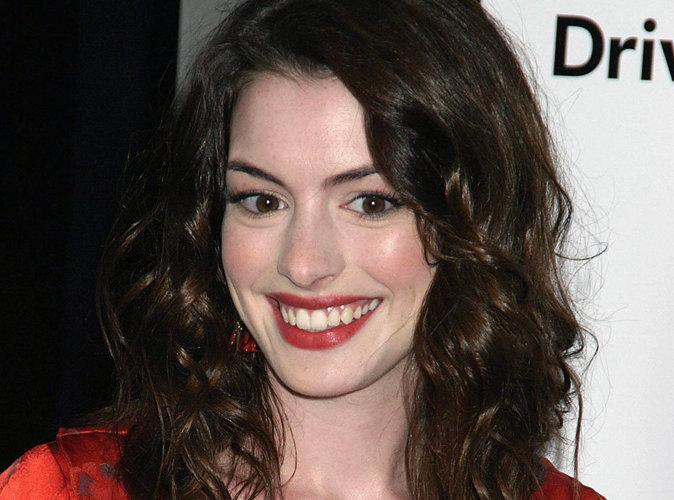 Anne Hathaway décide à son tour de quitter les réseaux sociaux !
