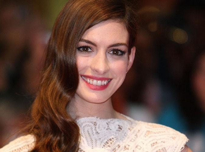 Anne Hathaway : plus crédible dans les Misérables que dans Batman ?