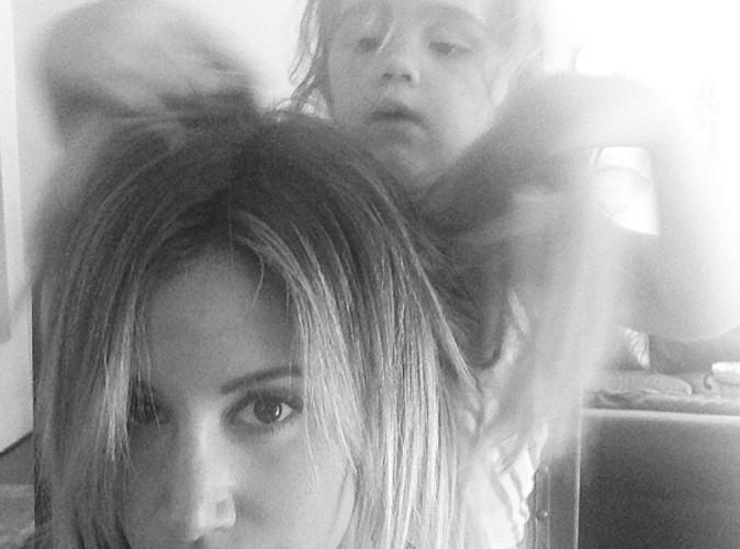 Ashley Tisdale : c'est sa petite nièce de 3 ans qui la coiffe !