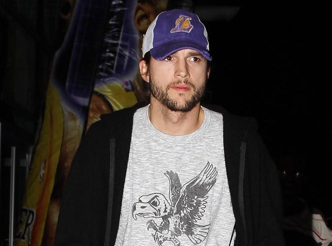 Ashton Kutcher : il porte encore son alliance…