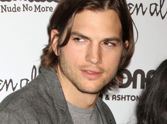 Ashton Kutcher : nouveau héros de Mon Oncle Charlie, en remplacement de Charlie Sheen ?