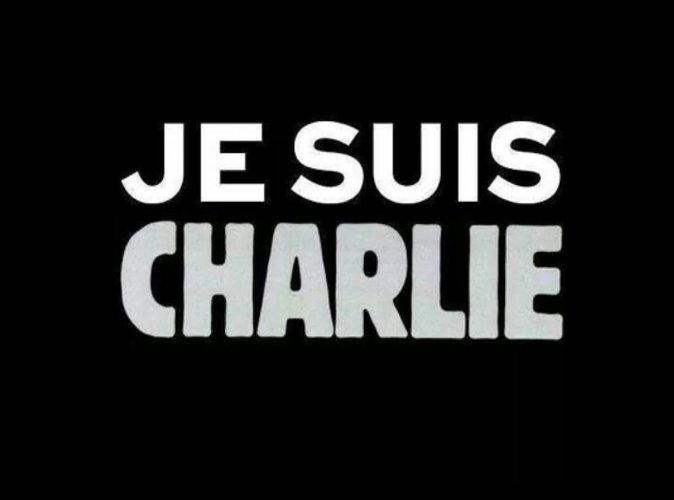 Attentats de Paris : Charlie Hebdo apporte son soutien aux familles