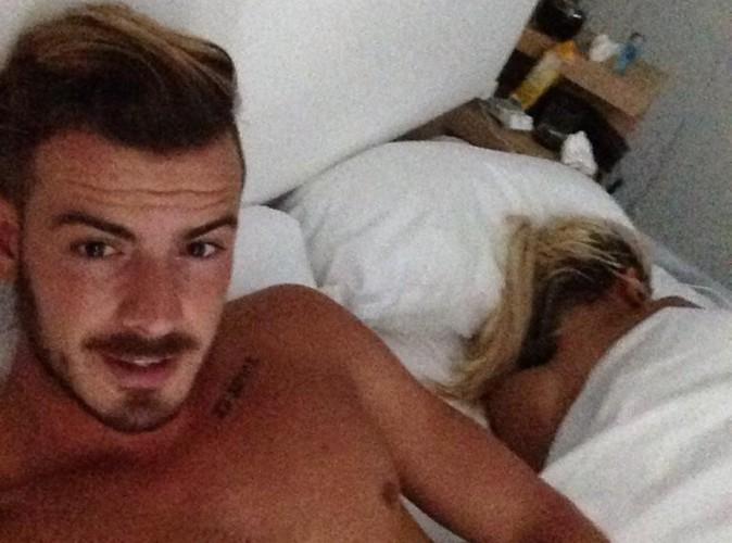 Aurélie Dotremont et Julien Bert : selfie au lit et déclarations d'amour !