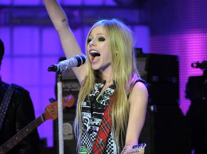 Avril Lavigne : quand son chéri Brody Jenner n'est pas là, elle fait la fiesta !