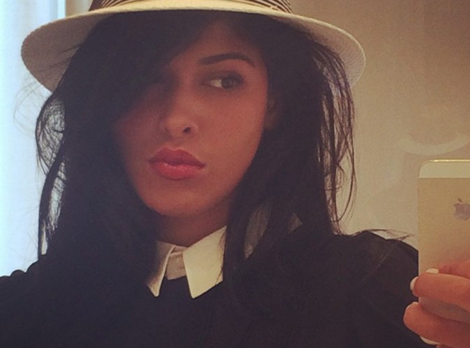Ayem Nour : chic et stylée pour annoncer son come-back !