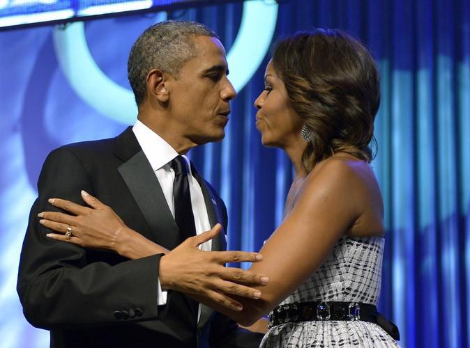 """Barack Obama : pris en flag, il avoue avoir arrêter de fumer par """"peur de sa femme"""" !"""