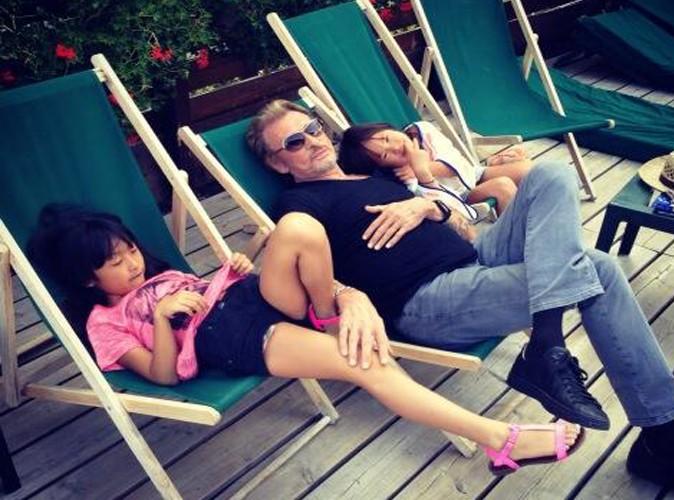 Jean-Philippe Smet : pause tendresse avec ses princesses !